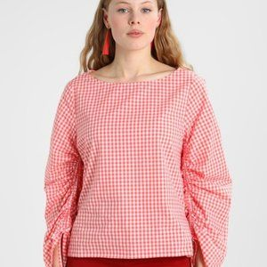 GAP Pink gingham plaid ruched sleeve blouse